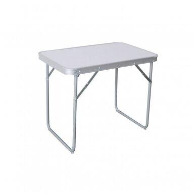 Sulankstomas kempingo stalas